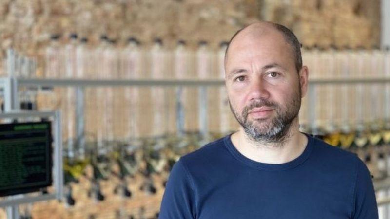 فردریک دورنیک میخواهد توجه مشتریان را از نامهای تجاری دور کند
