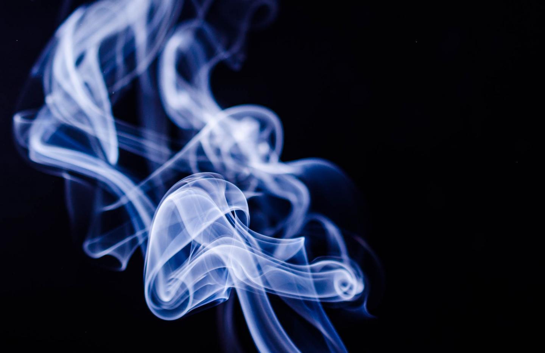 خرید بهترین ادکلن برای سیگاریها