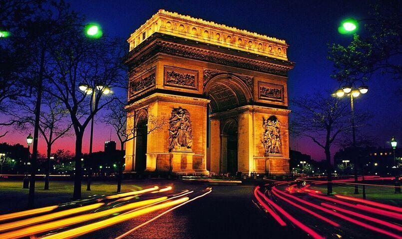 خیابان شانزلیزه پاریس فرانسه و مراکز خرید