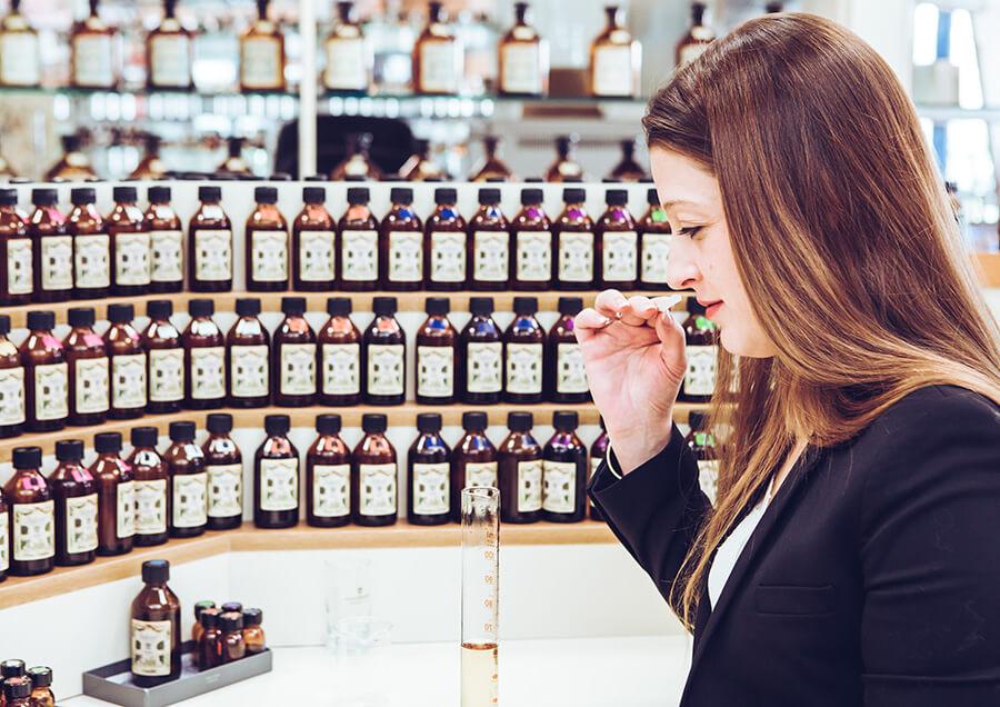 مبانی ساخت عطر و ادکلن