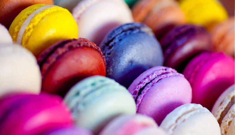 شیرینی ماکرون فرانسه، سوغات فرانسه چیست؟ از فرانسه چه بخریم؟ مراکز خرید پاریس کجاست؟