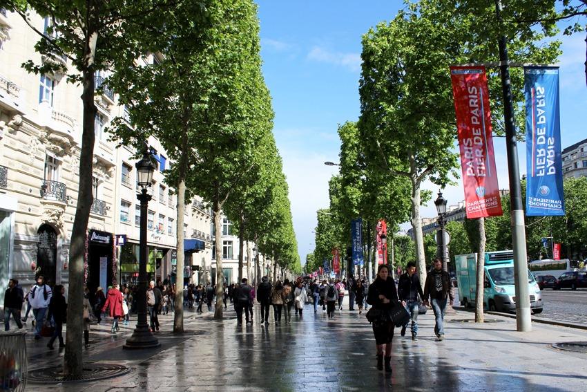 مراکز خرید خیابان شانزه لیزه پاریس